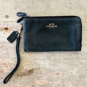 ♥️ Coach ♥️ Black Leather Wristlet